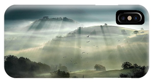 Sun Rays iPhone Case - Sunrise by Alessandro Ferretti