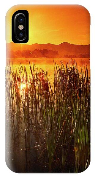 Sunrise Over A Misty Pond Phone Case by Richard Nowitz