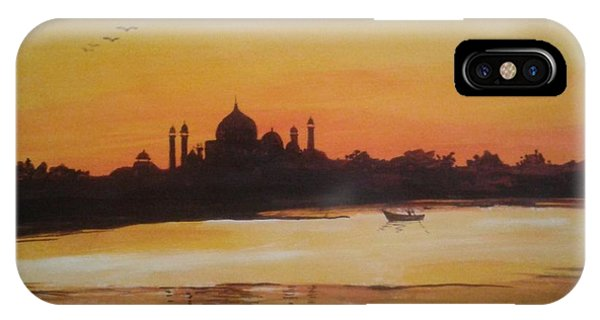 taj Mahal in the morning IPhone Case
