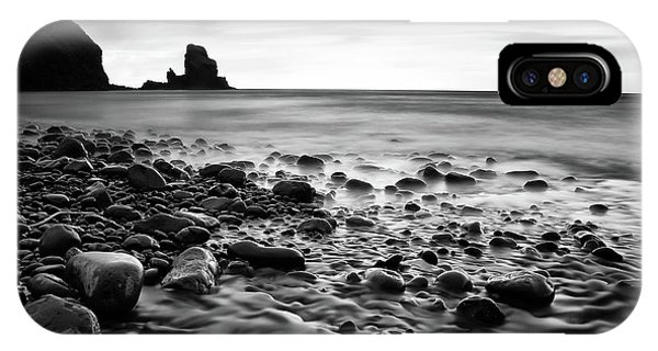 Long Exposure iPhone Case - Talisker 129 by Colin Bradnam