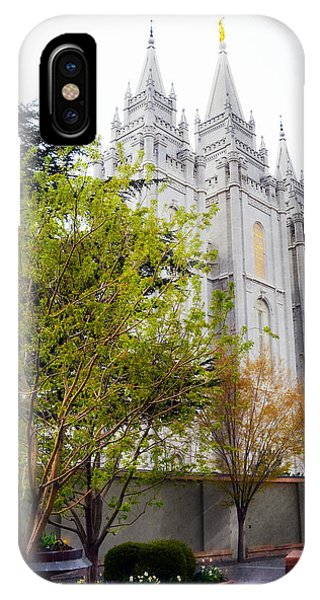 Temple In Sight Phone Case by Dianna Lindahl