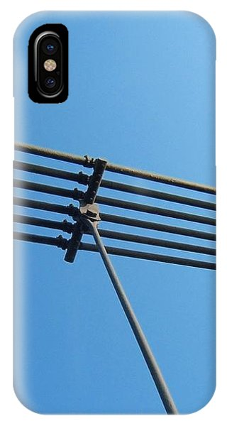 Tendu Sur Le Ciel IPhone Case