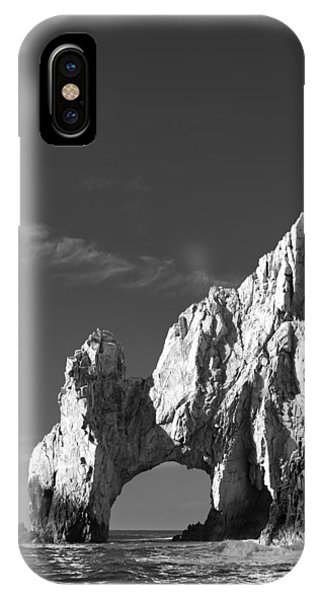 Hills iPhone Case - The Arch In Black And White by Sebastian Musial