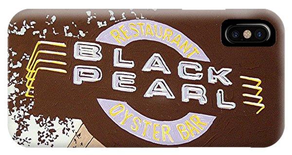 The Black Pearl In Midtown Phone Case by Paul Guyer