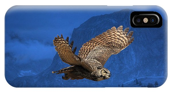 In Flight iPhone Case - The High Country by Donna Kennedy