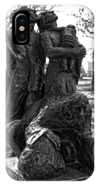 Battery D iPhone Case - The Immigrant's Statue In New York City by Dan Sproul