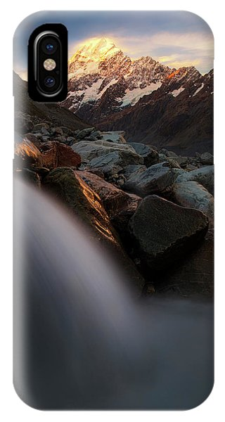 Rocky iPhone Case - The Last Light by Yan Zhang