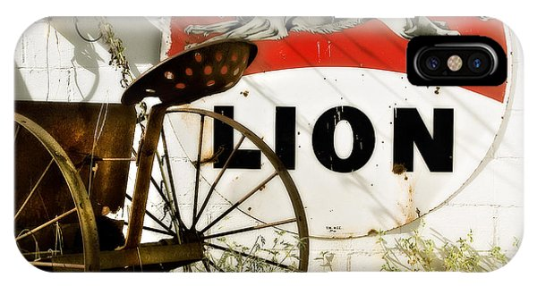 The Lion And The Chariot  IPhone Case