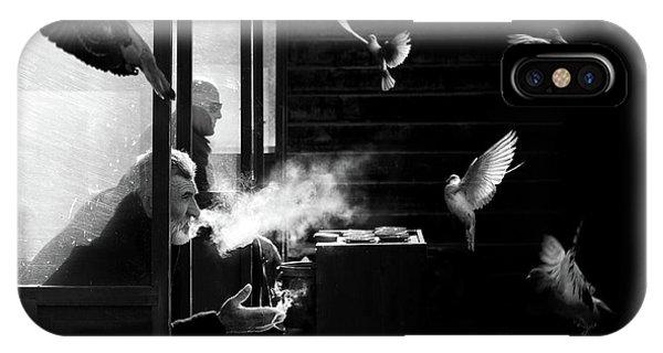 Pigeon iPhone Case - The Man Of Pigeons by Juan Luis Duran