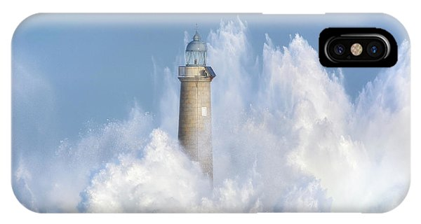 Lighthouse iPhone Case - The Power Of The Sea. by Sergio Saavedra Ruiz