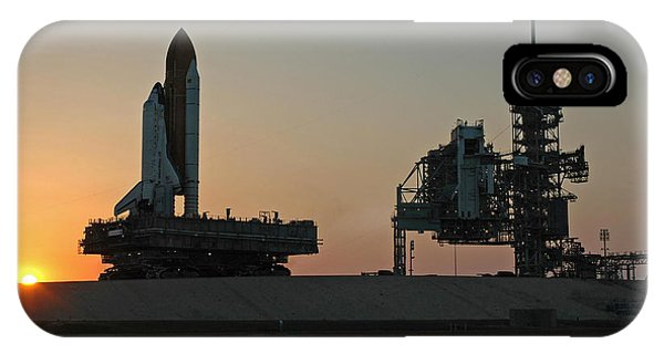 The Space Shuttle Discovery IPhone Case