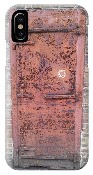 The Three Heart Door. IPhone Case
