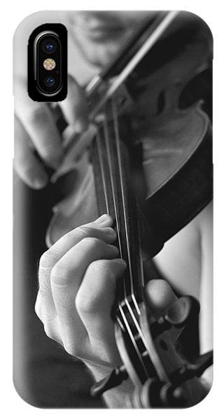 Music iPhone Case - The Violonist by Urte Berteskaite