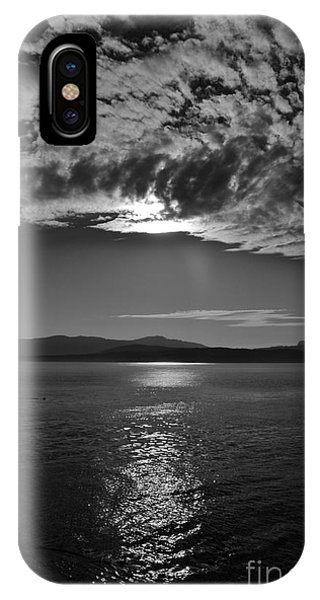 Thieves Bay View IPhone Case