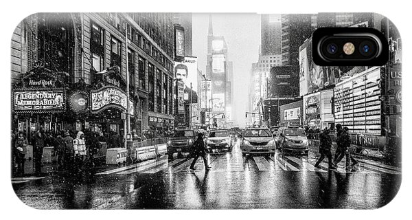 Metropolis iPhone Case - Times Square by Jorge Ruiz Dueso