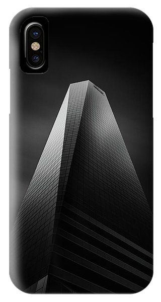 Long Exposure iPhone Case - Torres Pwc by Mohammad Mirza