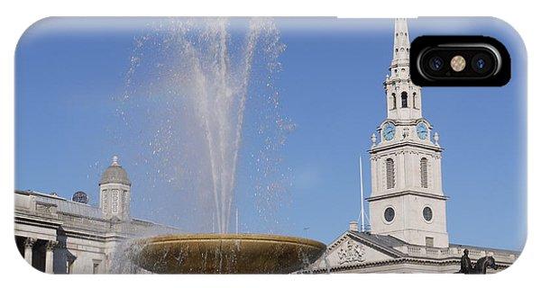 Trafalgar Square Fountain. IPhone Case