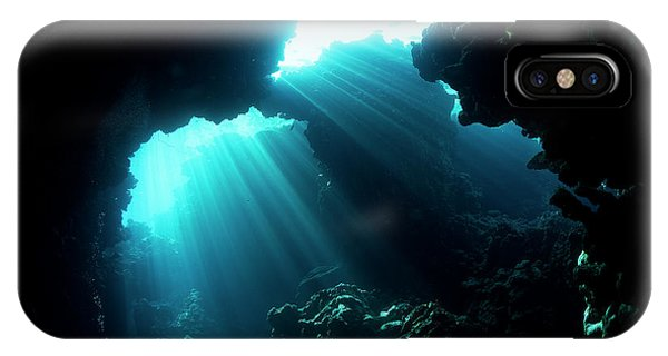 Rock Formation iPhone Case - Underwater Cave by Ilan Ben Tov
