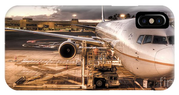 Departure iPhone Case - United Airlines Jet Ready For Departure by Dustin K Ryan