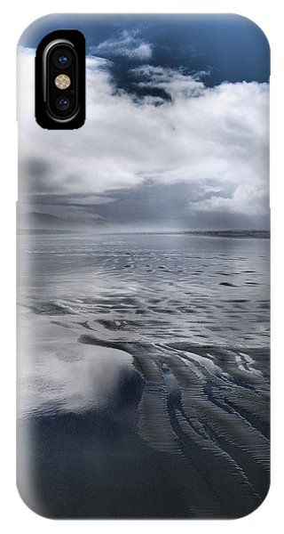 Vanishing IPhone Case