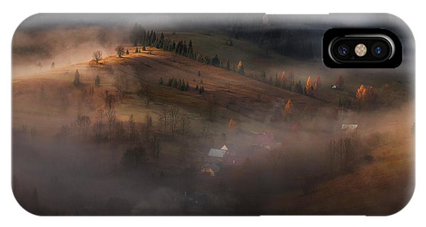 Fog iPhone Case - Village Under The Cover by Peter Svoboda, Mqep