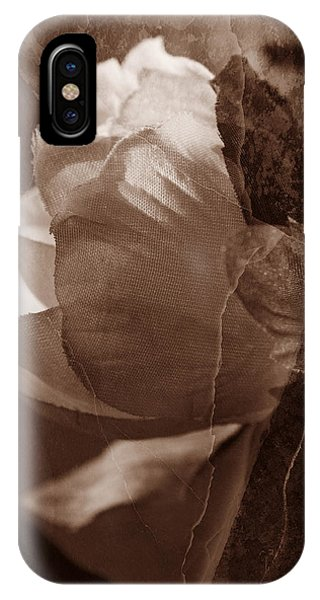 Vintage Camelia IPhone Case