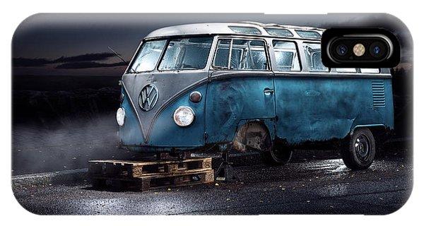 Volkswagen iPhone Case - Vw Kleinbus by Petri Damst??n