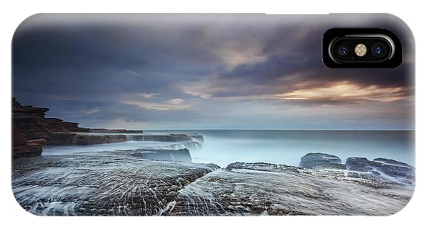 Flow iPhone Case - Waking Up by Yan Zhang