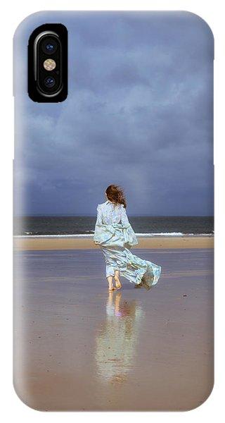 Tidal iPhone Case - Walk At The Beach by Joana Kruse