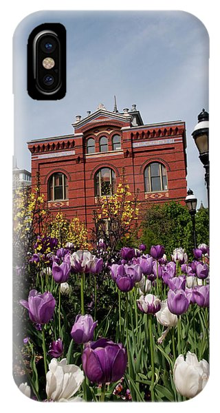 Smithsonian iPhone Case - Washington Dc, Tulips At The Smithsonian by Lee Foster