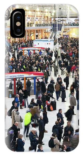 Commute iPhone Case - Waterloo Station by Mark Williamson/science Photo Library