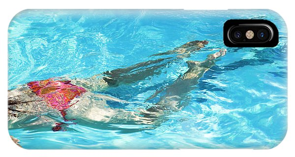 Woman Swimming Phone Case by Gustoimages/science Photo Library