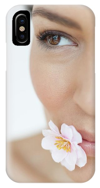 Woman With Flower Phone Case by Ian Hooton/science Photo Library