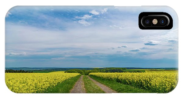 Yellow Flowers In A Field Phone Case by Wladimir Bulgar/science Photo Library