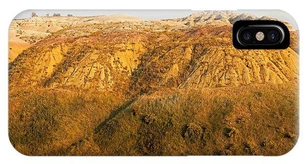 Yellow Mounds Overlook Badlands National Park IPhone Case