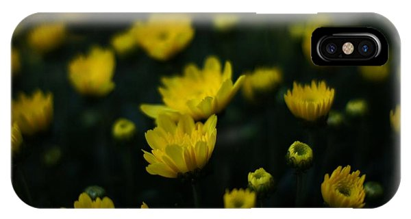 Yellow Mums Phone Case by Doug Hubbard
