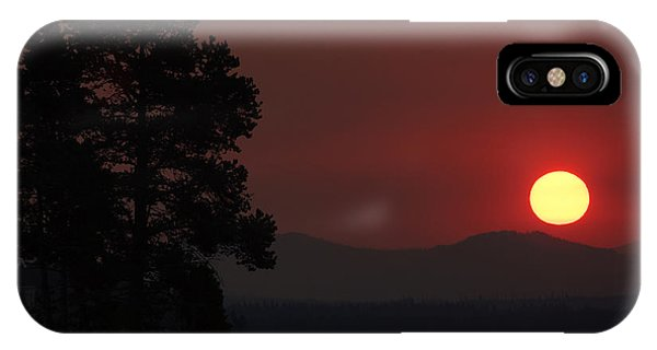 Yellowstone Lake Sunrise On Smoky Day IPhone Case
