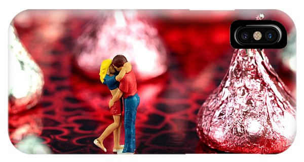 The Lovers In Valentine's Day IPhone Case