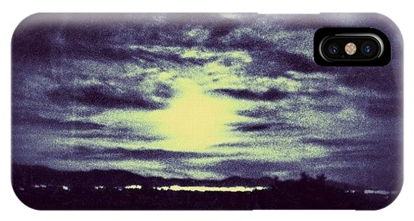 Fineart iPhone Case - Biggest Full Moon 5-5-12 by Paul Cutright