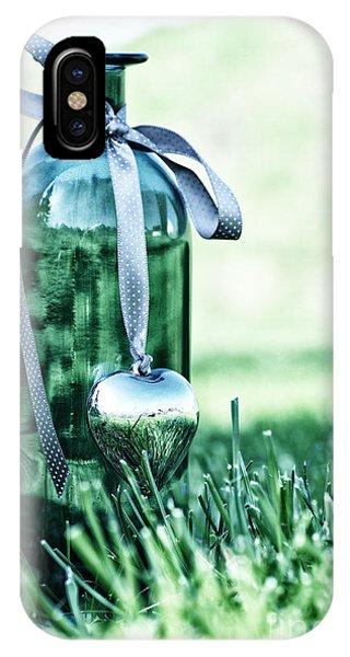 Wiese iPhone Case - Bottle by Tanja Riedel