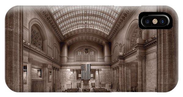 Commute iPhone Case - Chicagos Union Station Bw by Steve Gadomski