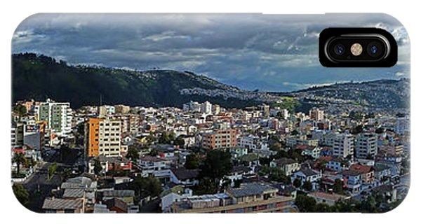 Close Of Business - Quito - Ecuador IPhone Case