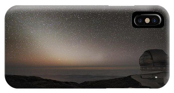 Grantecan Telescope And Zodiacal Light Phone Case by Alex Cherney, Terrastro.com