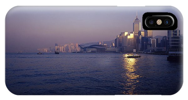 Hong Kong Harbour Phone Case by Carlos Dominguez