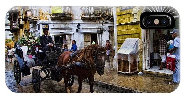 Colombia iPhone Case - Horse And Buggy In Old Cartagena Colombia by David Smith