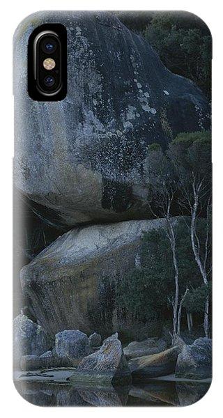 Wilsons Promontory iPhone Case - Huge Granite Boulders Encrusted by Sam Abell