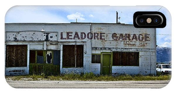 Leadore Garage IPhone Case