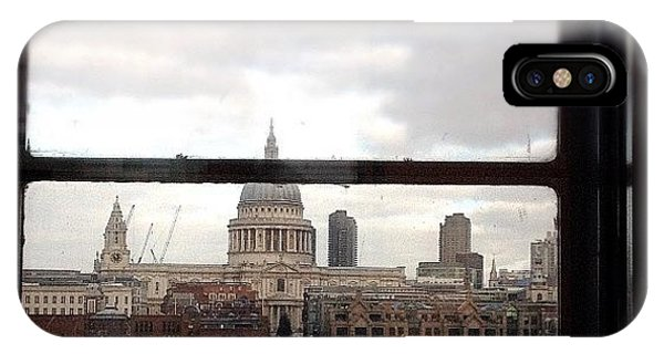 Landmarks iPhone Case - London Love Affair #photooftheday by A Rey