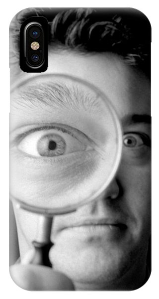 Magnified Eye Phone Case by Victor De Schwanberg