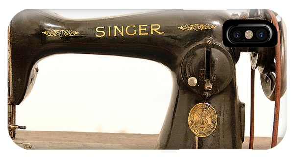 Old Singer 2 IPhone Case
